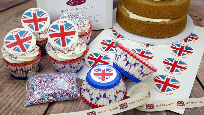 Union jack themed baking for VE Day - Cupcakes and Victoria Sponge.